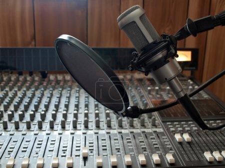 Studio vocal microphone