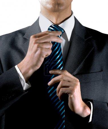À nouer sa cravate