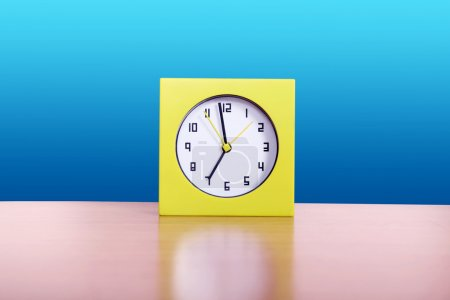 Yelow Clock