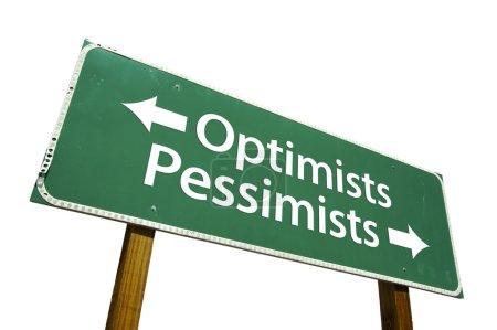 Photo pour Optimistes, pessimistes vert panneau routier isolé sur fond blanc avec un tracé de détourage. - image libre de droit