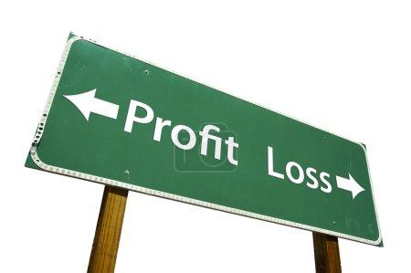 Photo pour Profit, panneau de signalisation de perte vert isolé sur fond blanc avec un tracé de détourage. - image libre de droit
