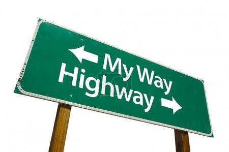 Photo pour Mon chemin, panneau de signalisation de route vert isolé sur fond blanc avec un tracé de détourage. - image libre de droit