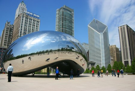 "Photo pour Cloud Gate sculpture alias ""The bean"", Millennium Park, Chicago, Illinois - image libre de droit"