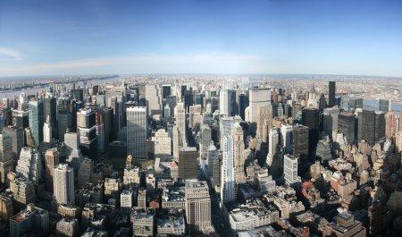 Photo pour Aerial vue panoramique sur manhattan Duhaut empire state building, new york. journée ensoleillée, une visibilité exceptionnelle, on pouvait voir de loin. - image libre de droit