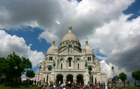 Photo pour Basilique du Sacré-Cœur à Montmartre, Paris - image libre de droit