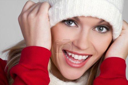 Photo pour Belle femme riant de hiver - image libre de droit