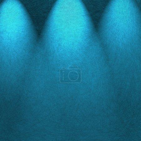 Photo pour Projecteur bleu théâtre, éclairage de fond avec les ombres et la texture - image libre de droit