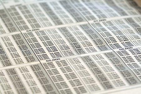 Photo pour Table de support d'impôt - image libre de droit