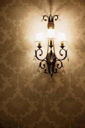 Light on the wallpaper