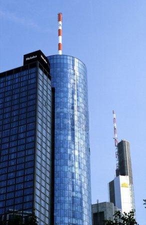 Photo pour Bâtiment de la DG Banque à Francfort, Allemagne - image libre de droit